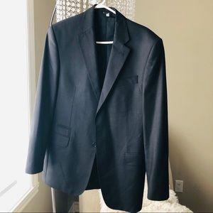 Suit classic fit Size 40